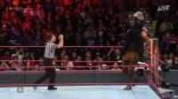 WWE2017快车道罗曼大狗vs布朗黑羊