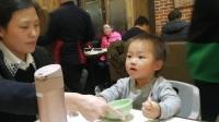 小羊肖恩最喜欢玩旋转坐椅 彩虹小马 芭比娃娃 天线宝宝也一起来玩吧