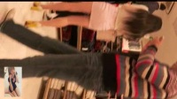 美女主播买黄鳝视频 跟拍短裙黑丝美女 (1)