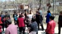 河北省唐县迷城乡古洞村太阳能板工程没有和老百姓协商好工程队花钱叫黑社会强行施工   。我们村大家都帮忙转一下