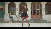 黑丝连衣裙美女跳宅舞!裙子太短啦!