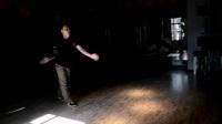 poppin 大臂和小臂的pop怎么分开 怎么练小臂的pop和腿的pop 机械舞视频教学