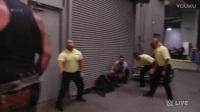 WWE2017【RAW 0410】黑山羊开启人间怪兽模式 掀翻救