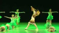 张老师2017最热幼儿园六一舞蹈视频《锄禾》
