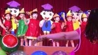 可愛的小孩跳舞