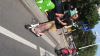 明森滑板车走马路
