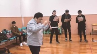 王俊凯《高能少年团》EP11【全民纪录】TFBOYS王源惊喜现身韩红音乐剧排练现场