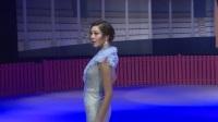 现场:环球小姐罗紫琳深V修身礼服亮相 自曝保持好身材的秘诀