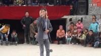 农村流浪歌手反串演唱《为了谁》和《女儿情》,双声切换自如 ,不输李玉刚