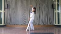 点击观看《一个简单好学的古典舞《红颜旧》》