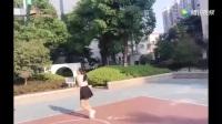 正妹直播福利站 胸猛女主播实况打篮球!可以跟你一起玩两个球吗