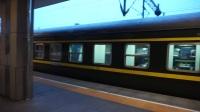 杭州城站火车站纪实8:K8402次列车进站、T32次列车出站