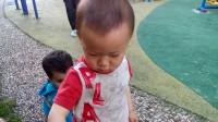 宝宝和外国小孩