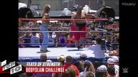 WWE十大逆天力量 大力凤凰女一人扛俩1