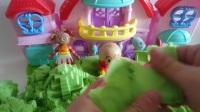 面包超人花园宝宝玩太空沙做各种模型