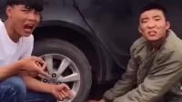 小伙工作太不认真了,给客服的车充气,把车胎都给充爆了