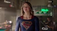 超级少女的朋友 神奇女侠合体女超人
