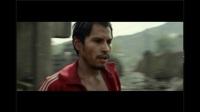 地狱神探: 墨西哥男子捡到了圣枪, 获得了超能力, 却被魔鬼控制失去自我
