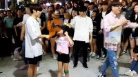 [韩国户外女主播]弘大街头各种舞 各种嗨!