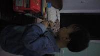 吕晨硕宝宝和李泽鑫哥哥玩玩具