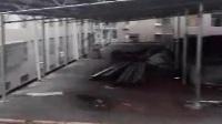 检举视频----江西吉安吉水县八都镇综合市场喜洋洋家具店违章建筑,私自顶层搭建铁皮掤严重影响四周居民住房。望有关部门严令其无条件拆除。