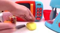 蛋糕玩具视频 彩泥 冰淇淋 制作冰淇淋的玩具模具视频52