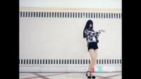 美女跳舞就是不停的脱衣服