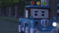 变形警车珀利告诉小朋友夜间出行一定要注意安全呀