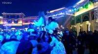 2016圣誕前夜石家莊北國奧特萊斯羅馬廣場假面舞會美女內褲外穿扭動水蛇腰_高清迅雷下載