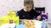 [大胃王桐桐]自制超大份爽口西红柿鸡蛋盖饭,黄桃罐头整箱喝