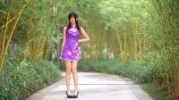 美女穿紫色旗袍跳舞, 都查点走光了