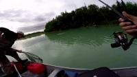 一个钓手的自拍,飞跃阿拉斯加!(渔视探秘)