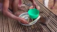 柬埔寨人奇特的煮蛇吃法。。看完我傻眼了!