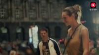杜蕾斯广告创意无限, 可国外一个矿泉水的广告也能让女人们放声尖叫