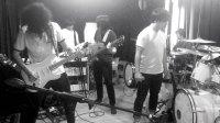 Feel The Noise_Noise