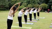 丽水滨水公园练瑜伽