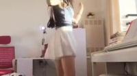 白色短裙高跟鞋美女, 你自己在家跳舞跳得挺嗨哈