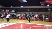 韦德中国行教你怎么用篮球撩正妹!背打、后仰、不看框上篮样样有