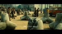 《敢死队2》经典片段: 史泰龙带5个队员闯军事基地救的是中国富豪!