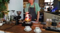 欧阳老师用虹吸壶做蓝山咖啡