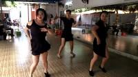 黄老师拉丁舞培训基地三大美女演示拉丁单人恰恰舞