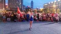 2017年8月1日沈阳小朋友在市府广场表演拉丁恰恰舞
