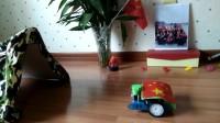 小小机器人阅兵向解放军叔叔致敬