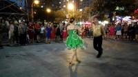 2017年8月8日沈阳刘广田与王桂芬在大润发广场恰恰舞表演