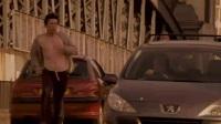 玩命追踪 杰森·斯坦森玩跑酷公路狂追罪犯