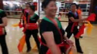 东城国际社区舞蹈队盛夏季节苦练腰鼓''爱我中华''20170815_213031