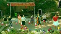 东玉健身队 (郎的诱惑)(2)单扇舞 编舞:楚楚 演唱:凤凰传奇