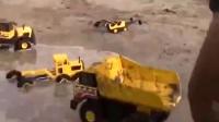 小松挖掘机 《挖掘机儿童玩具视频》_标清