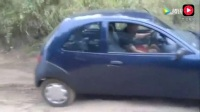 老司机开小轿车过烂路, 这爬坡过抗性能真不错!