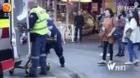 悉尼一失控车辆冲撞人群 造成1死6伤包括1名婴儿